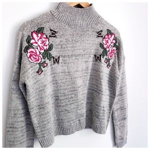 Cloud Chaser Embroidered Mock Neck S